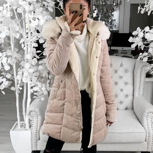 Collette in Warm Latte Coat ekattire